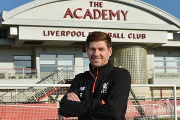 """Steven Gerrard: """"Envelheci cerca de dois anos em seis meses"""""""